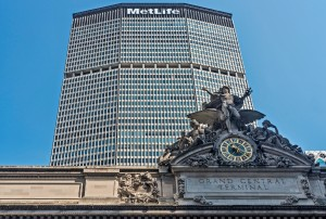 What If NYC's Iconic MetLife Building Became a Vertical Farm PIC